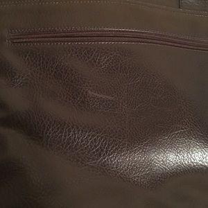 Aldo Bags - Aldo feaux leather messenger bag